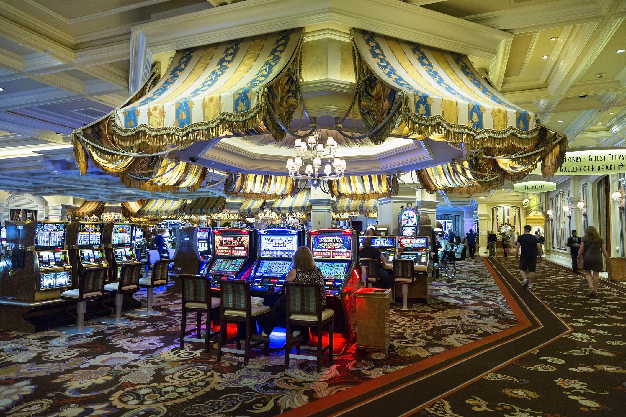 Slot Machine Money - 344639
