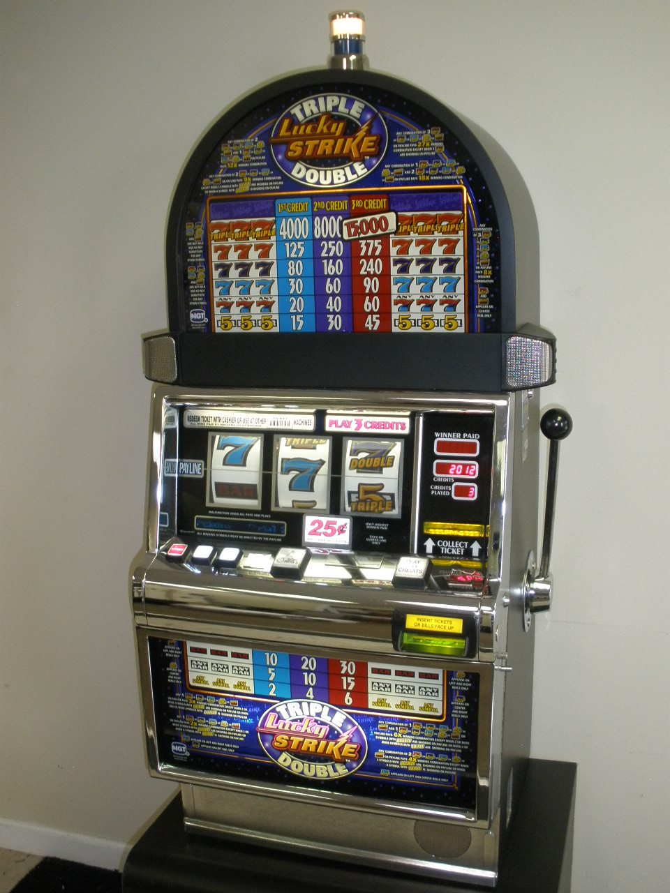 Lucky Strikes - 734447