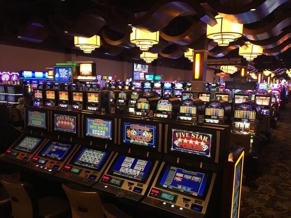 Dolphin Cash Slot - 918143