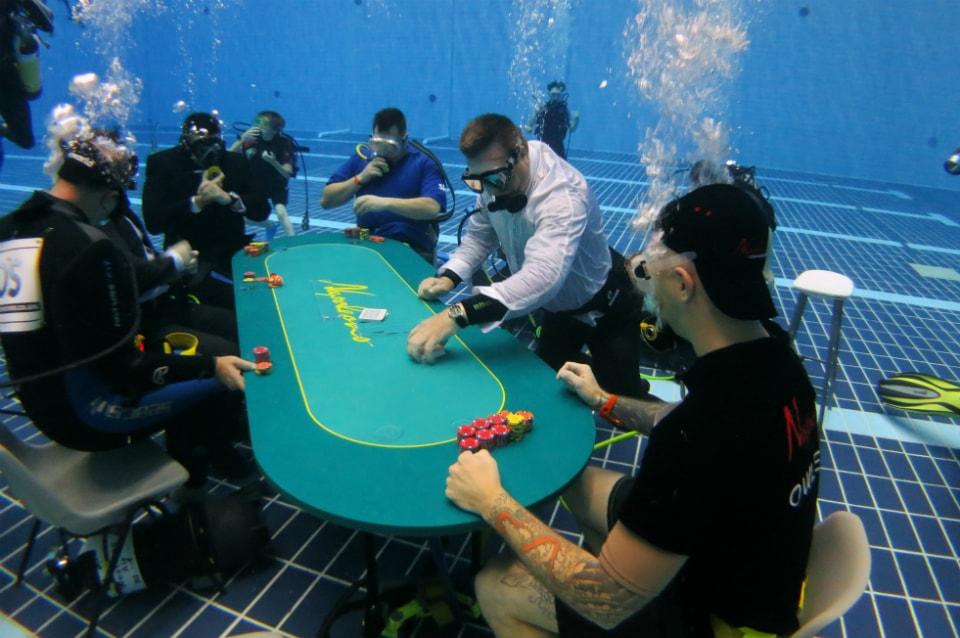 Professional Gamblers - 413807