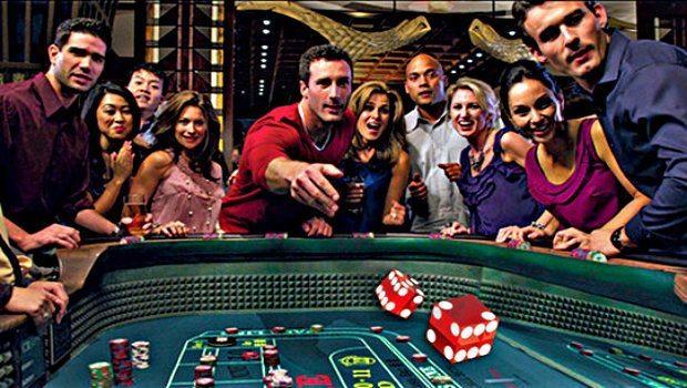 Tracking Rolls Casino - 945274
